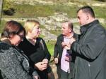 СРАМОТА СРБИЈЕ: Стари Рас и даље пропада у муљу, трњу и смећу