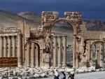 СИРИЈА: Џихадисти порушили древне стубове у Палмири