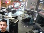 ДРАМАТИЧАН СНИМАК НАПАДА У ПАРИЗУ: Терориста прилази жени и повлачи обарач, али се пушка заглављује!