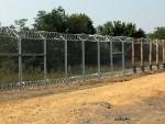 МАКЕДОНИЈА: Почело подизање ограде на граници са Грчком