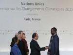 КАКО СМАЊИТИ ЕМИСИЈУ ШТЕТНИХ ГАСОВА: Званично отворена конференција о клими у Паризу