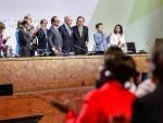 ПАРИЗ: Усвојен историјски споразум о клими