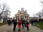 ПОМОЋ СРПСКИМ ЕНКЛАВАМА: Божићни конвој помоћи из Француске стигао на Косово