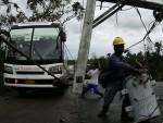 ФИЛИПИНИ: Тајфун однио четири живота, милиони без струје
