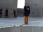 ЈЕРМЕНИЈА: Кустурица у Јеревану посетио споменик и одао пошту Јерменима, жртвама турског геноцида