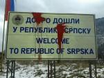 МРЖЊА: Оштећена табла на улазу у Републику Српску према Палама
