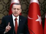 EЕРДОГАН: Давутоглу да се врати кући са три милиjарде евра