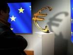 ШПИГЛ: Заједно са Шенгеном може бити укинут и евро