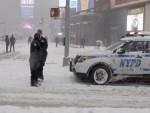 ПОРУКА ЊУЈОРЧАНИМА: Оставите кола затрпана у снегу