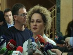 ПРИШТИНА: Поново сузавац у косовскоj скупштини, Kуртиjа гађали jаjима