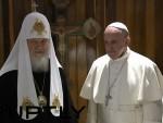 КУБА: Историјски сусрет патријарха руског Кирила и папе Фрање