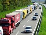 УСПОРЕН РАД ХРВАТСКЕ ЦАРИНЕ: На Батровцима колона камиона дуга осам километара