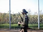 МАЂАРСКА: Војска на граници, полиција у приправности