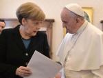 ВАТИКАН: Папа разљутио Меркелову коментаром о Европи