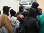 ЛЕ ДРИЈАН: У Либиjи 800.000 миграната коjи желе у Eвропу
