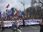 ЗАВЕТНИЦИ: Велики протест против НАТО-а у центру Београда