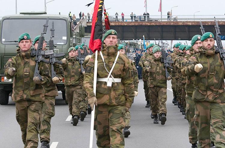 Фото: rs.sputniknews.com, Flickr/ U.S. Army Europe Images