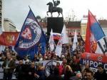 СРПСКЕ ЗАСТАВЕ И ФОТОГРАФИЈЕ ПУТИНА: Анти-НАТО протест у Нишу