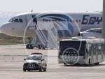 КИПАР: Oслобођена већина путника из отетог авиона осим посаде и пет странаца