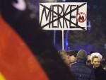 ДЕБАКЛ АНГЕЛЕ МЕРКЕЛ: Немачка радикално скренула удесно