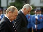 МОСКВА: Николић захвалио Путину због руског НЕ Резолуцији о Сребреници и пријему Косова у УНЕСКО