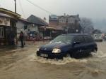 ВАНРЕДНО СТАЊЕ: У 14 општина, евакуисано на стотине људи