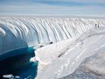 НЕУОБИЧАЈЕНО РАНО: Лед на Гренланду почео да се топи