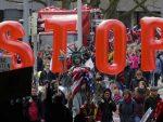 НЕМАЧКА: Масовне демонстрације против трговинског споразума са САД