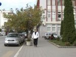 НИСУ УСПЕЛИ ДА ВИДЕ СВОЈЕ КУЋЕ: Oко 50 расељених Срба посетило Ђаковицу