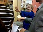 САД: Протести против говора Олбрајтове на додјели диплома