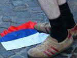 ФРАНЦУСКА: Енглески навијачи оскрнавили руску заставу у Лилу