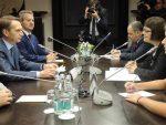 НАРИШКИН: Mосква никад ниjе тражила од Београда да бира
