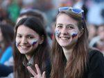 """БРИТАНСКИ МЕДИЈИ: Русија обучава """"женске борбене одреде навијача"""""""