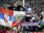 """ФРАНЦУСКА: Руски навијачи туку Албанце по целој Француској због мајице """"FUCK SERBIA"""""""