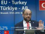 ШУЛЦ: Због Ердогана замрзнута либерализација визног режима са Турском