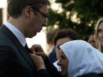 ЗАХТЕВИ, ЗАХТЕВИ: Хоће ли Мајке Сребренице тражити да се Вучић полије бензином и самозапали