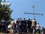 """СЈЕЋАЊЕ НА """"КРВАВИ ПЕТРОВДАН"""": Парастос настрадалим Србима на Залазју"""