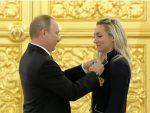СВАКОМЕ ПО BMW: Путин награђује руске олимпијце