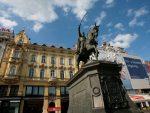 "ХРВАТСКА СВАКОДНЕВИЦА: Нацистичка ""СС"" ознака на береткама демонстраната у Загребу"