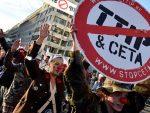 БРИСЕЛ: Хиљаде људи на протесту против трговинског споразума између САД и ЕУ