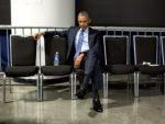 ПРЕДСЕДНИК САД ДОЧЕКАН КАО ОБИЧАН ГРАЂАНИН: Кинези дочекали Обаму без црвеног тепиха и без степеница за авион!
