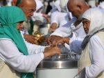 МУСЛИМАНИ ГА ЗАСУЛИ ЧЕСТИТКАМА: Амбасадор Велике Британије у Саудијској Арабији прешао у ислам