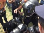 ПРИШТИНА: Сукоб студената и полициjе код храма Христа Спаса
