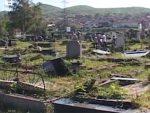 ОРАХОВАЦ: Оскрнављен гроб на старом православном гробљу