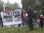 """ДРЕЗДЕН СКАНДИРАО: """"Меркелову у Сибир, Путина у Берлин!"""""""