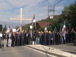 КАКО СПРЕЧИТИ ОТИМАЊЕ ТРЕПЧЕ: Велики броj Срба на протесту у Звечану