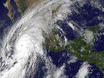 КАРИПСКО МОРЕ: Снажан ураган се приближава Јамајци