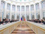 """МОСКВА: Путин """"проветрава"""" Кремљ – нема седења на две столице"""