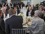 НОВИ ПОРЕДАК: Путин, Кустурица и нови Трампов саветник за националну безбедност за истим столом