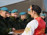 БРАЋА ПО ОРУЖЈУ: Руси слетели на Батајницу